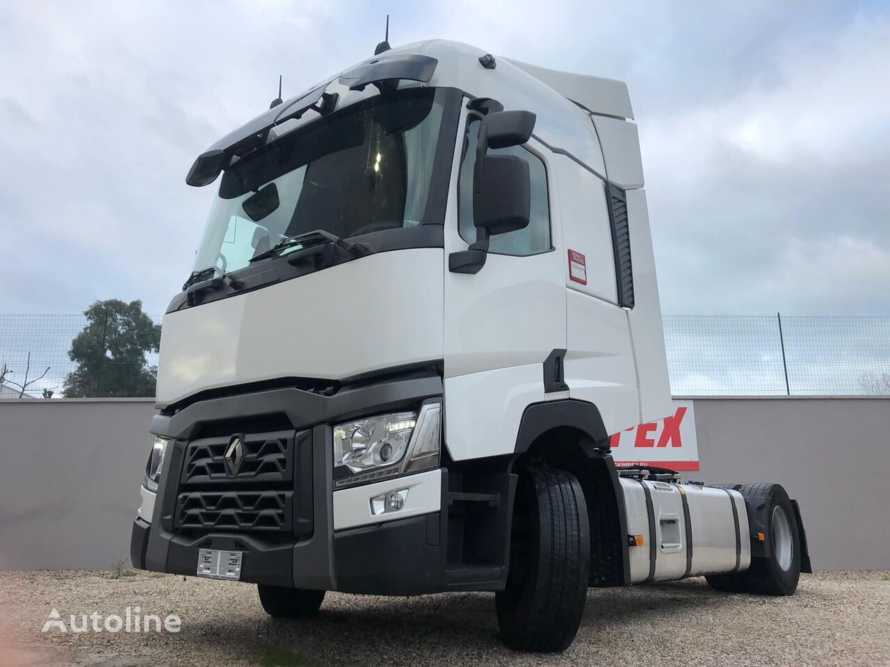 trattore stradale RENAULT T 440